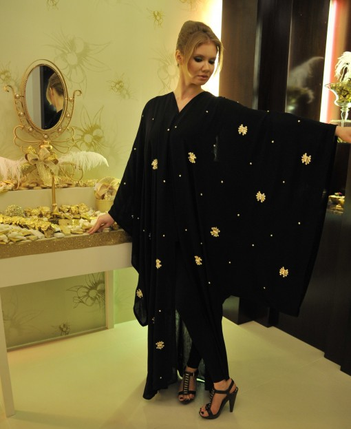 Abaya in Fashion, Fashion Abaya, Abaya Collection, 2011 Abaya Designs, Designer Abaya, abayas, Dubai abaya, Saudi Abaya, Fashionable Abaya, stylish abaya, Fancy abaya,